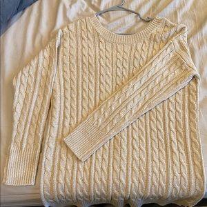 Beautiful Braid Pattern Open-Back Sweater